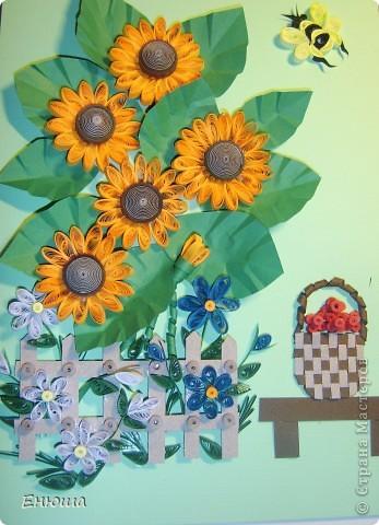 Вот такие у меня солнышки-подсолнушки.   Идею корзинки и скамеечки позаимствовала у Сиполика.