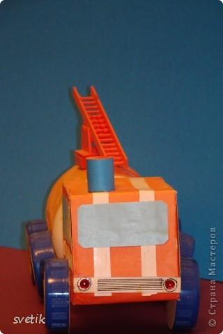 Игрушка Поделка изделие Поделки для мальчиков Чрезвычайная ситуация Пожарная машина Материал бросовый фото 1.