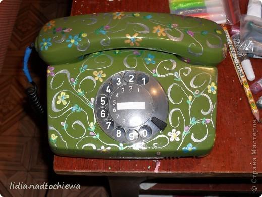 Расписала контурами очень старый телефон.  фото 1