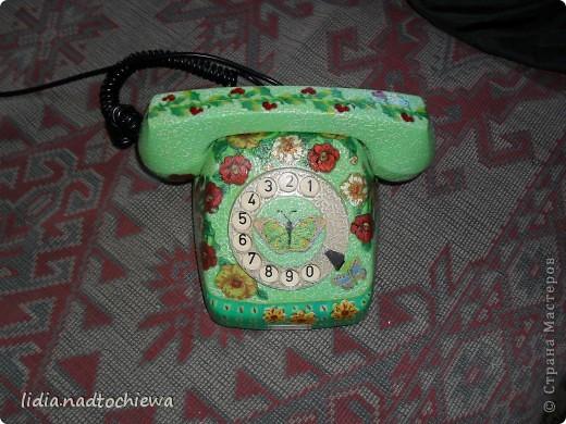 Это тоже старенький телефон, ещё советских времён. фото 1