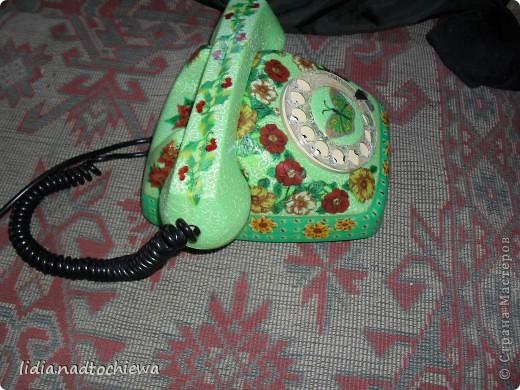 Это тоже старенький телефон, ещё советских времён. фото 2
