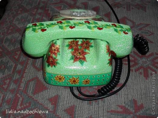 Это тоже старенький телефон, ещё советских времён. фото 4