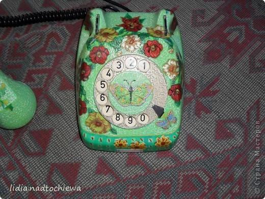 Это тоже старенький телефон, ещё советских времён. фото 5