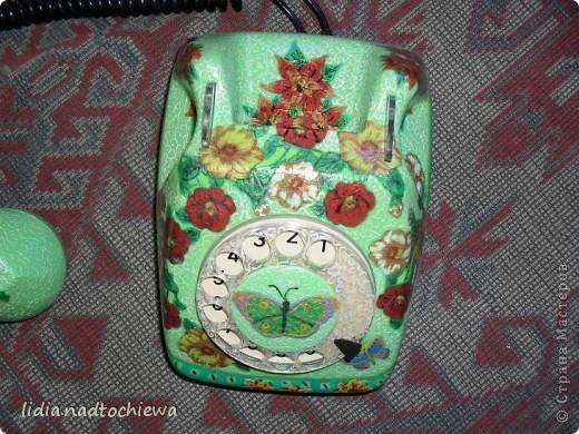 Это тоже старенький телефон, ещё советских времён. фото 6