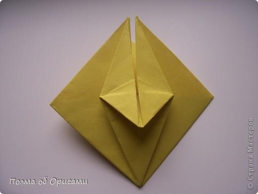 Подсолнухи как символ солнца и одновременно прощание с окончательно ушедшим от нас в этом году теплым летом. Этот чудесный оригами подсолнух придумала Нилва Пиллан (Италия). фото 13
