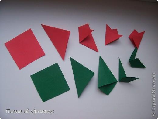 В некоторых странах есть традиция дарить пинетки новорожденным. Даже если в семье за последнее время не происходило пополнения, вот такой оригами-башмачок с оригами-цветами станет красивым украшением для интерьера.  фото 22