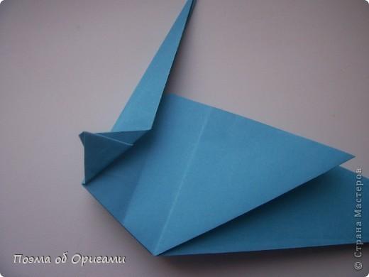 Этого дракона придумал Перри Бейли (США). На востоке драконы, несмотря на весь их грозный вид – это добрые силы, они - связующее звено между миром Земли и божественными Небесами. Кольцо или звезда имеет название «Восемь пятиугольников» и создана Таико Нивой (Япония). В данной интерпретации может быть окном или огненным кольцом, кому уж как больше нравиться:). фото 10