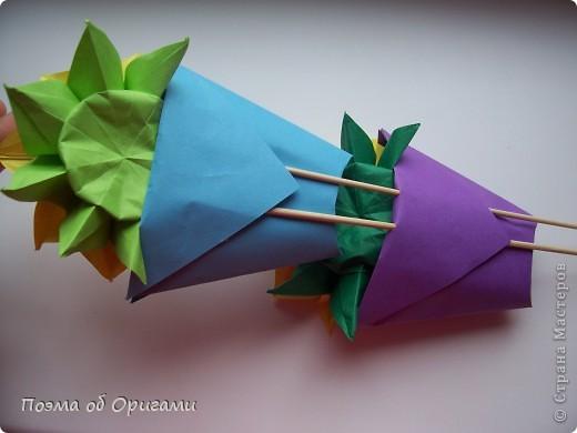 Подсолнухи как символ солнца и одновременно прощание с окончательно ушедшим от нас в этом году теплым летом. Этот чудесный оригами подсолнух придумала Нилва Пиллан (Италия). фото 31
