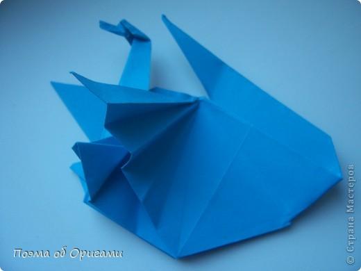 Этого дракона придумал Перри Бейли (США). На востоке драконы, несмотря на весь их грозный вид – это добрые силы, они - связующее звено между миром Земли и божественными Небесами. Кольцо или звезда имеет название «Восемь пятиугольников» и создана Таико Нивой (Япония). В данной интерпретации может быть окном или огненным кольцом, кому уж как больше нравиться:). фото 20