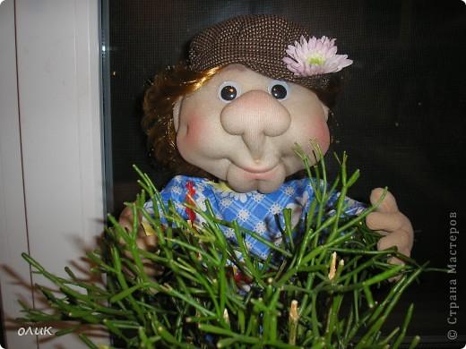 Вот мой первый мальчик, начинала делать куклу-попика, но личико получилось мужское, отложила до лучших времен и вот родился Степа. Имя дали сын с мужем, причем не договариваясь между собой, ну а я согласилась, Степа так Степа. фото 2