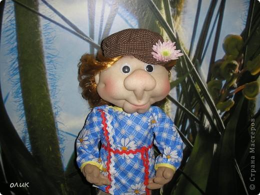 Вот мой первый мальчик, начинала делать куклу-попика, но личико получилось мужское, отложила до лучших времен и вот родился Степа. Имя дали сын с мужем, причем не договариваясь между собой, ну а я согласилась, Степа так Степа. фото 3