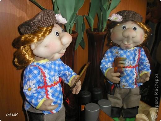 Вот мой первый мальчик, начинала делать куклу-попика, но личико получилось мужское, отложила до лучших времен и вот родился Степа. Имя дали сын с мужем, причем не договариваясь между собой, ну а я согласилась, Степа так Степа. фото 4