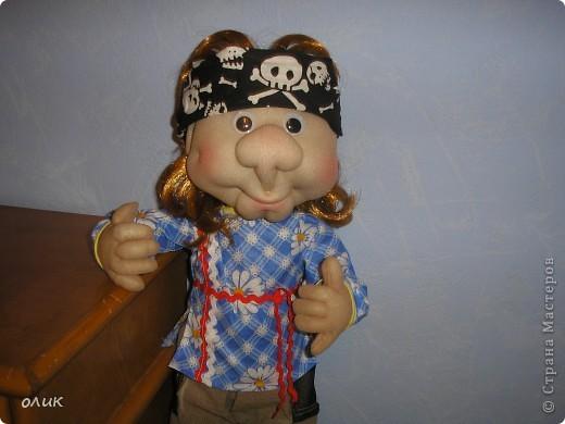 Вот мой первый мальчик, начинала делать куклу-попика, но личико получилось мужское, отложила до лучших времен и вот родился Степа. Имя дали сын с мужем, причем не договариваясь между собой, ну а я согласилась, Степа так Степа. фото 5
