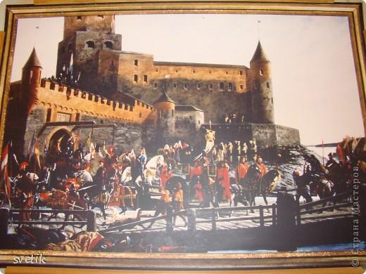 """В нескольких часах езды от Санкт- Петербурга расположен удивительный город- Выборг. Знаменит он своим замком, который мы хотим Вам показать и немного рассказать. Итак, Выборгский замок был основан шведами в 1293 году и является единственным памятником западноевропейского средневекового военного зодчества. Возведен он на небольшом островке.Название переводят как """"Святая крепость""""  фото 9"""