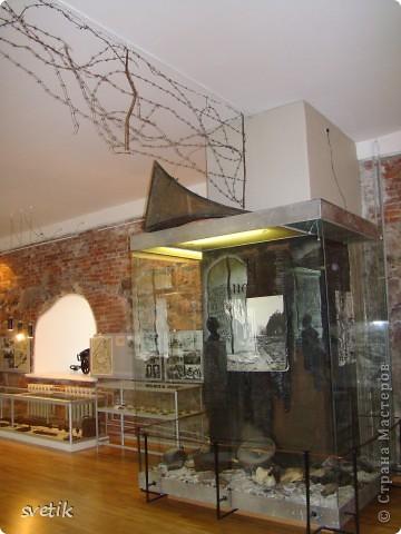 """В нескольких часах езды от Санкт- Петербурга расположен удивительный город- Выборг. Знаменит он своим замком, который мы хотим Вам показать и немного рассказать. Итак, Выборгский замок был основан шведами в 1293 году и является единственным памятником западноевропейского средневекового военного зодчества. Возведен он на небольшом островке.Название переводят как """"Святая крепость""""  фото 33"""