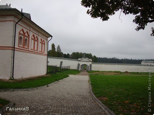 Стены монастыря фото 11