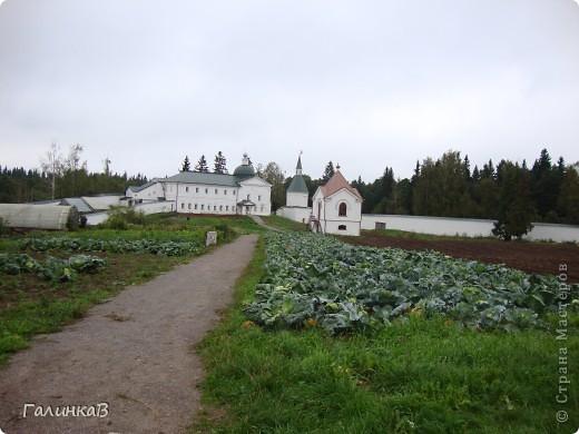 Стены монастыря фото 5
