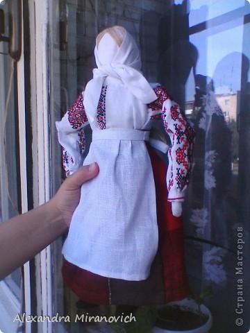 Для изготовления куклы использовала иллюстрацию белорусского национального костюма фото 7