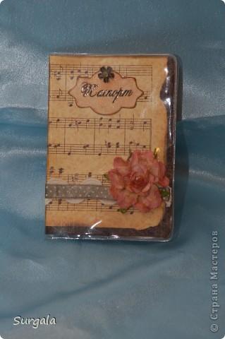 Обложка на паспорт в подарок на ДР родственнице-музыканту. фото 1