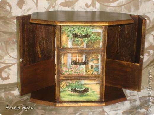 """Купила маленький комодик и решила задекорировать,кто знает... может это первый шаг к преображению """"большой"""" мебели?? фото 2"""
