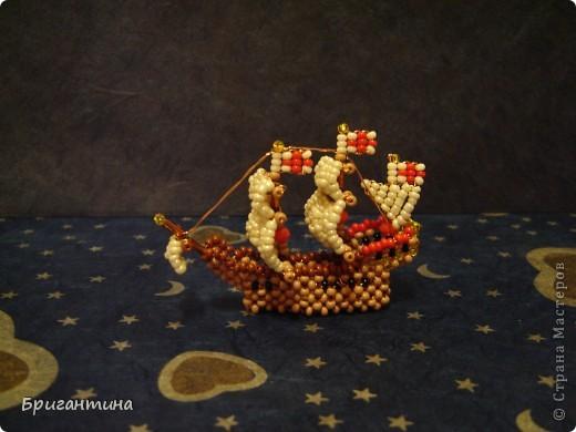 """Это примитивная миниатюра корабля Фрэнсиса Дрейка """"Золотая Лань"""" фото 3"""