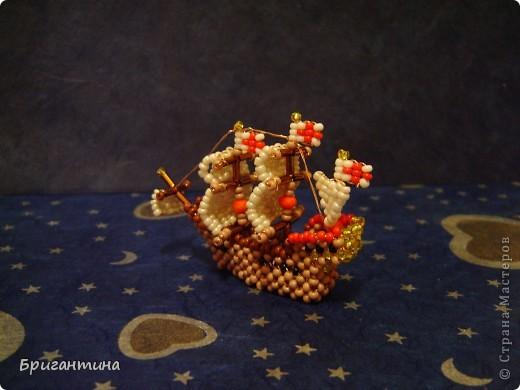 """Это примитивная миниатюра корабля Фрэнсиса Дрейка """"Золотая Лань"""" фото 2"""