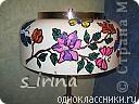 Это был старый торшер, который так надоел маме, что она хотела его выбросить. Но, такая красивая форма абажура и любовь к бабочкам не давали покоя. Бабочки декорированы камешками от мозаичной плитки, которая осталась от мойки в ванной.  фото 3