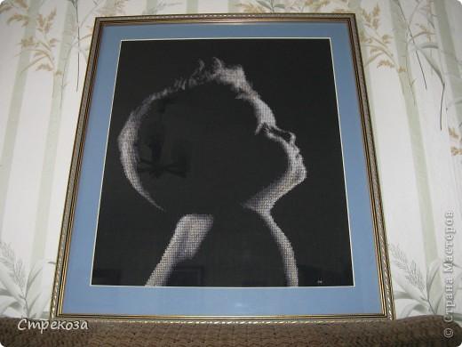 проба пера... первый раз вышивала на черной канве фото 2