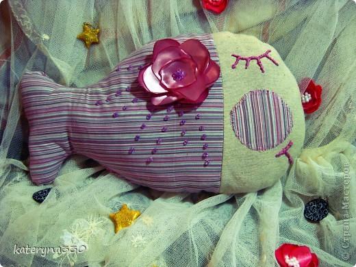 малька) около 20 см в длину текстиль, бабушкины кружева)))) бисер, наполнение ватин пока еще без хозяина(( фото 3