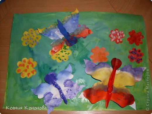 Сегодня на улице тепло,это навеяло нам  теплые летние деньки,и вот что у нас получилось.Палянка с цветочками и бабочками.  фото 6