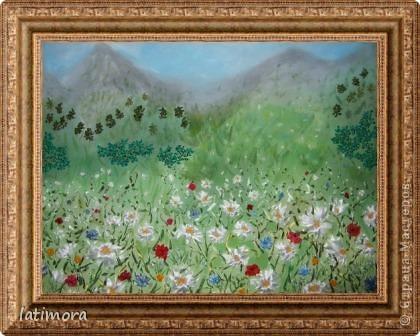 Попыталась изобразить пейзаж с помощью красок , ленточек и ниток. фото 1