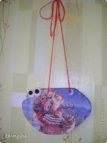Новогодняя декупажная рыба. фото 3