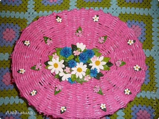 корзинка из газетной бумаги, цветы из соленого теста  фото 1