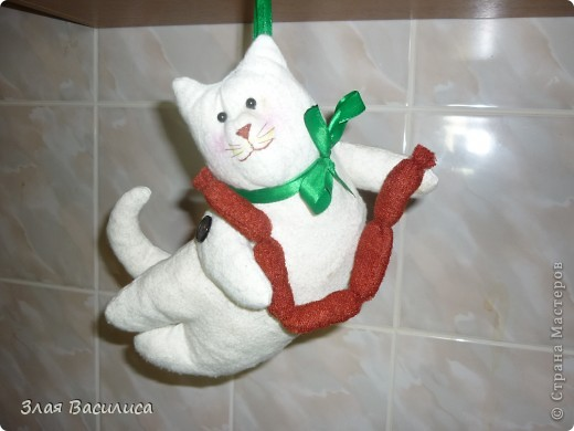 Кот Сарделькин.
