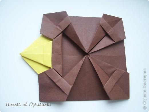 Несмотря на то, что бумага была изобретена в Китае, оригами не получило там такого распространения, как в Японии. В Китае существует совсем небольшой набор сложенных из бумаги изделий, которые можно для этой страны можно считать традиционными. Шанхайская ваза один из таких примеров. фото 28