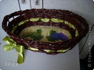 Очередная корзинка в подарок.Красила морилкой мокко и лак лиственница,декупаж покрыт аквалаком безцветным. фото 3