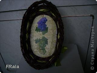 Очередная корзинка в подарок.Красила морилкой мокко и лак лиственница,декупаж покрыт аквалаком безцветным. фото 5