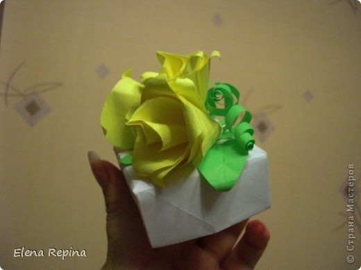 Традиционная коробочка-масу с перегородками.  Перегородки в тон розам. фото 2