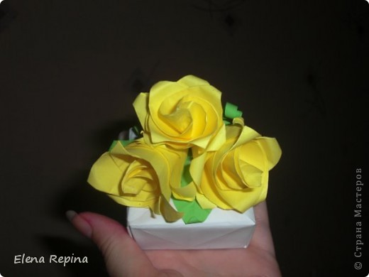 Традиционная коробочка-масу с перегородками.  Перегородки в тон розам. фото 4