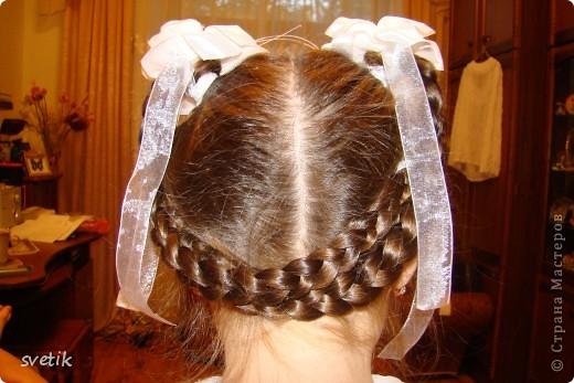 Для школы. Прическа 1 . Плету из хвоста 3 косички, потом из них плету одну. фото 2