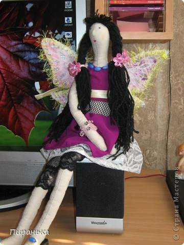"""Моя 5 летняя доча """"болеет"""" куклами винкс,она попросисла меня сшить ей такую куклу,вот что из этого у меня получилось.Не судите строго,это первая моя кукла тильда.Крылья я решила сделать съёмными,думаю это будет интереснее для дочуни. фото 3"""