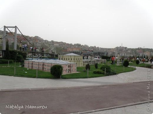 Предлагаю жителям Страны с помощью фотографий немного прогуляться по Турции. Все фотографии делала сама в разное время, их у меня очень много, отобрала лишь некоторые. Надеюсь что вписалась в жанр фоторепортаж.  Стамбул. Вход в «Дворец Топкапы», март 2009. С 1924 года дворец является музеем, а до этого служил несколько столетий главной султанской резиденцией. фото 23