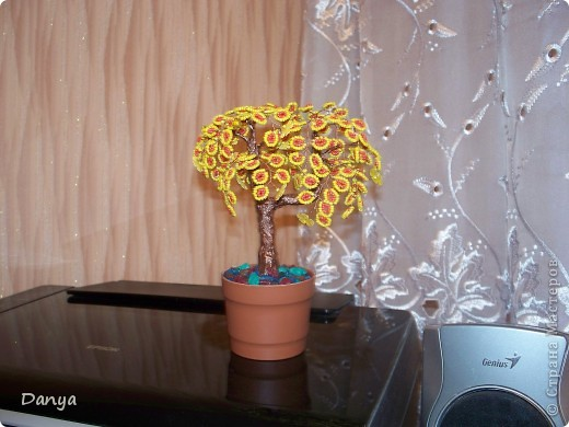 Событие.  Материал.  4 ноября, 2010 - 23:54. осеннее дерево. деревья из бисера.  Бисероплетение.  Техника.