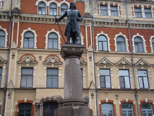 О Выборгском замке я рассказывала в первой части http://stranamasterov.ru/node/105386, а теперь хотелось бы показать Вам  город.  Памятник основателю Выборга Торгильсу Кнутссону. фото 1