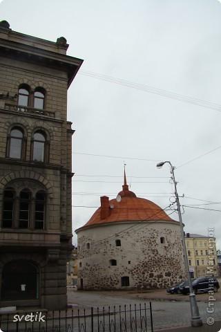 О Выборгском замке я рассказывала в первой части http://stranamasterov.ru/node/105386, а теперь хотелось бы показать Вам  город.  Памятник основателю Выборга Торгильсу Кнутссону. фото 18
