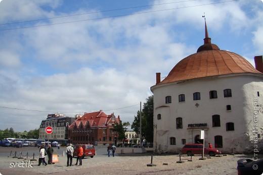 О Выборгском замке я рассказывала в первой части http://stranamasterov.ru/node/105386, а теперь хотелось бы показать Вам  город.  Памятник основателю Выборга Торгильсу Кнутссону. фото 19