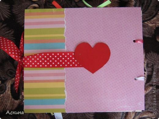 Решила на день рождения племянницы сделать фотоальбом. Уже подарила,она со своей мамой были в восторге))) Чтобы альбомчик не помялся,сделала к нему коробку. Размер альбома 17,5 на 20, 7 разворотов, 8 листов,основа картон. фото 27