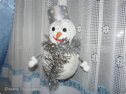 Снеговичок на новогоднюю ёлку в школе.