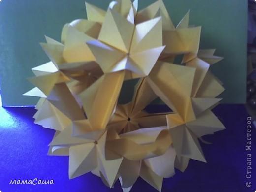 Многие кусудамки нашли себе новых хозяев и , вот, новое пополнение. Кусудама на основе модуля Magic Rose Cube by Valery Vann 30 модулей без клея.  фото 2