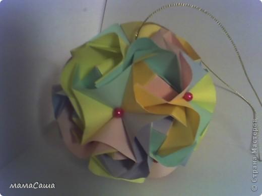 Многие кусудамки нашли себе новых хозяев и , вот, новое пополнение. Кусудама на основе модуля Magic Rose Cube by Valery Vann 30 модулей без клея.  фото 8
